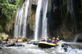 Paket wisata bromo dan rafting